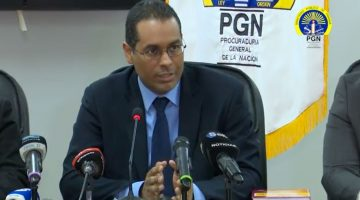 Rómulo Bethancourt, one of Panama's organized crime prosecutors, gives a press conference