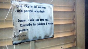 Sign on a wall in a Niger newsroom