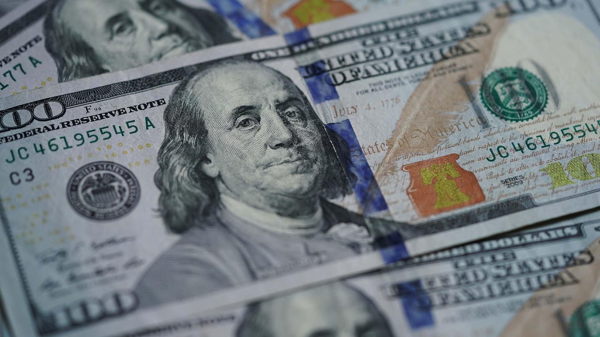 USD 100 dollar bills