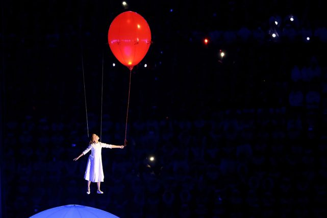 Liza Temnikova as Lyubov performs Moskva/The Dream
